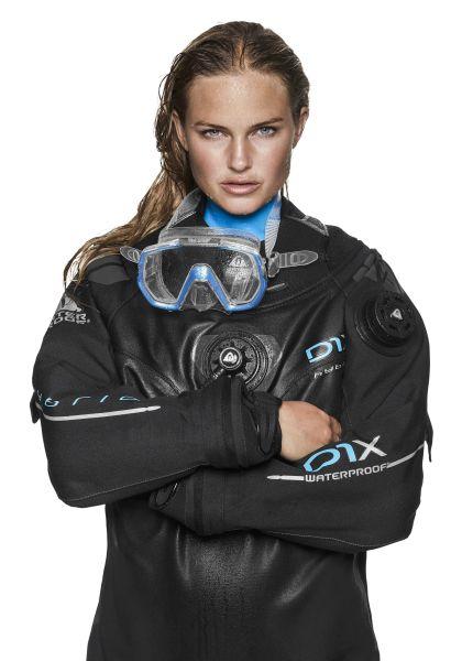 Waterproof D1X Hybrid - Trockentauchanzug mit integriertem Unterzieher - Damenmodell